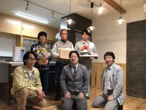 富山市の健康住宅のお引き渡し式記念撮影