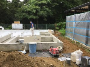 富山市の注文住宅の基礎工事抗酸化吹付