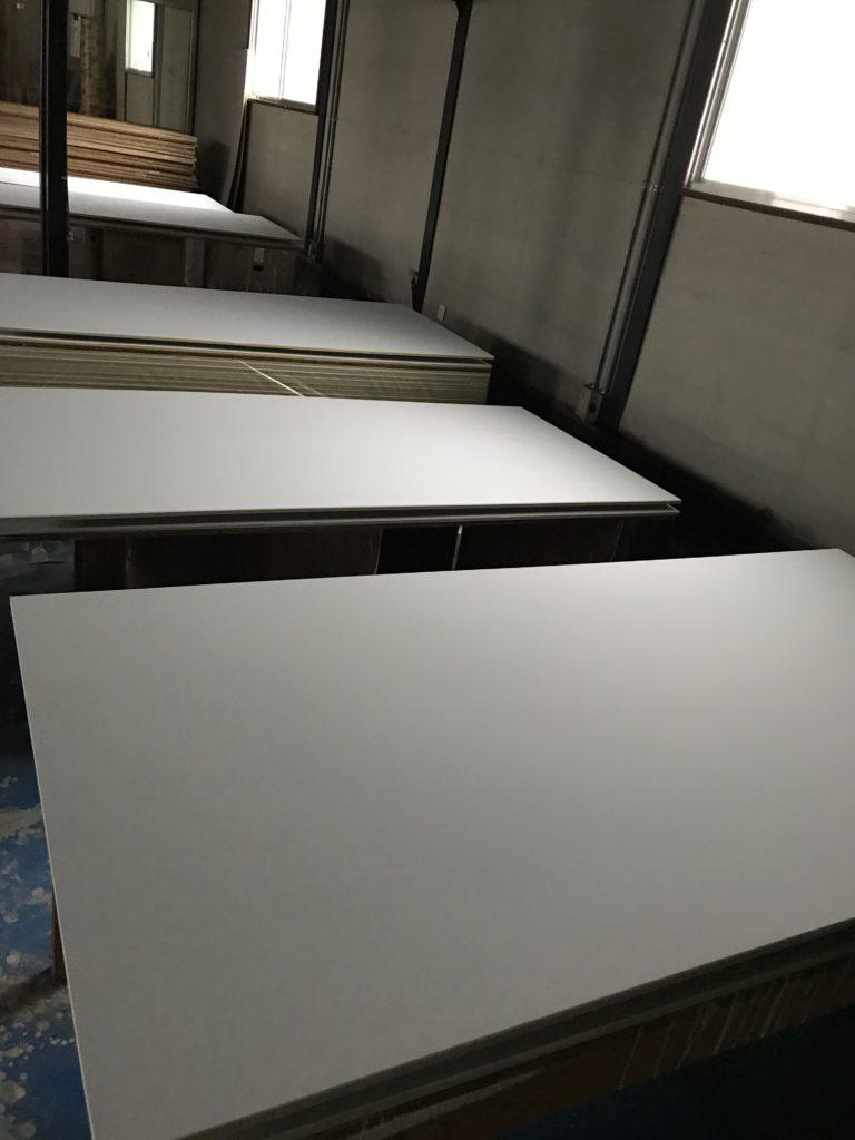 富山市の注文住宅のプラスターボードアップ
