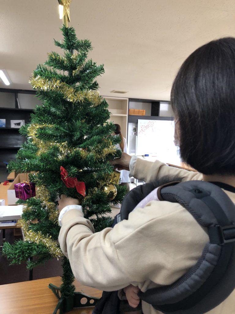 富山市の注文住宅でのクリスマスイベントでのデコレーション