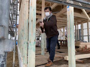 砺波市の注文住宅の上棟式の工事監督