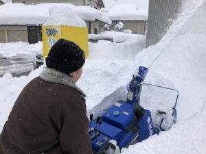 富山市の注文住宅の雪かき