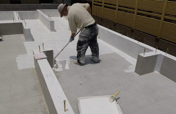 金沢市の注文住宅の基礎の部分に抗酸化液の塗布